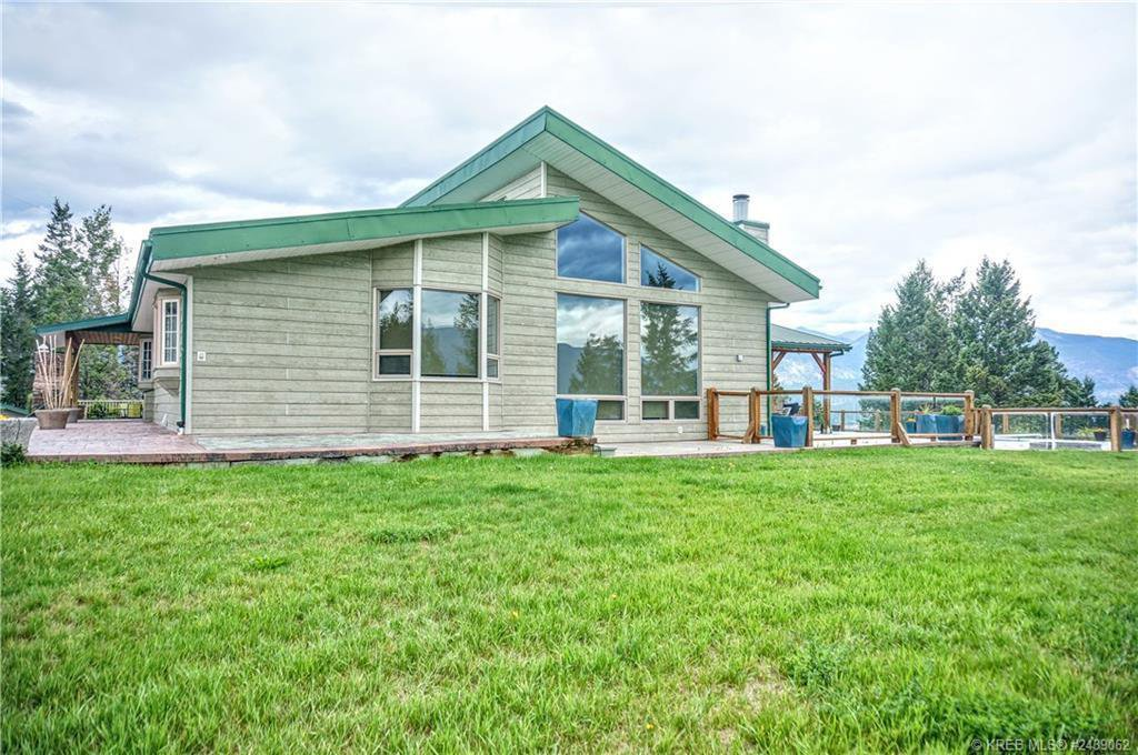 Main Photo: 4261 TOBY CREEK ROAD in Invermere: House for sale : MLS®# 2453237