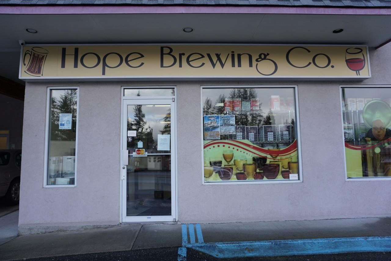 Main Photo: 1 536 WALLACE Street in Hope: Hope Center Business for sale : MLS®# C8035433