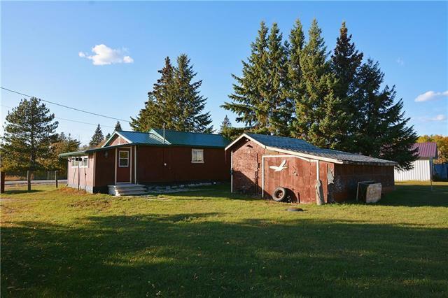 Main Photo: 51 Railway Avenue in Woodridge: Single Family Detached for sale : MLS®# 202024589