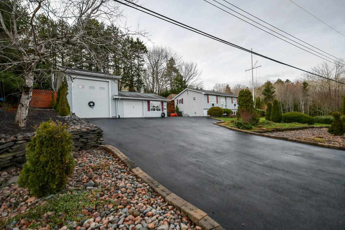Main Photo: 96 Jamieson Drive in Fall River: 30-Waverley, Fall River, Oakfield Residential for sale (Halifax-Dartmouth)  : MLS®# 202025523