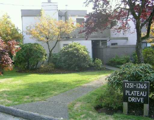 "Main Photo: 1259 PLATEAU DR in North Vancouver: Pemberton Heights Condo for sale in ""PLATEAU VILLAGE"" : MLS®# V560551"