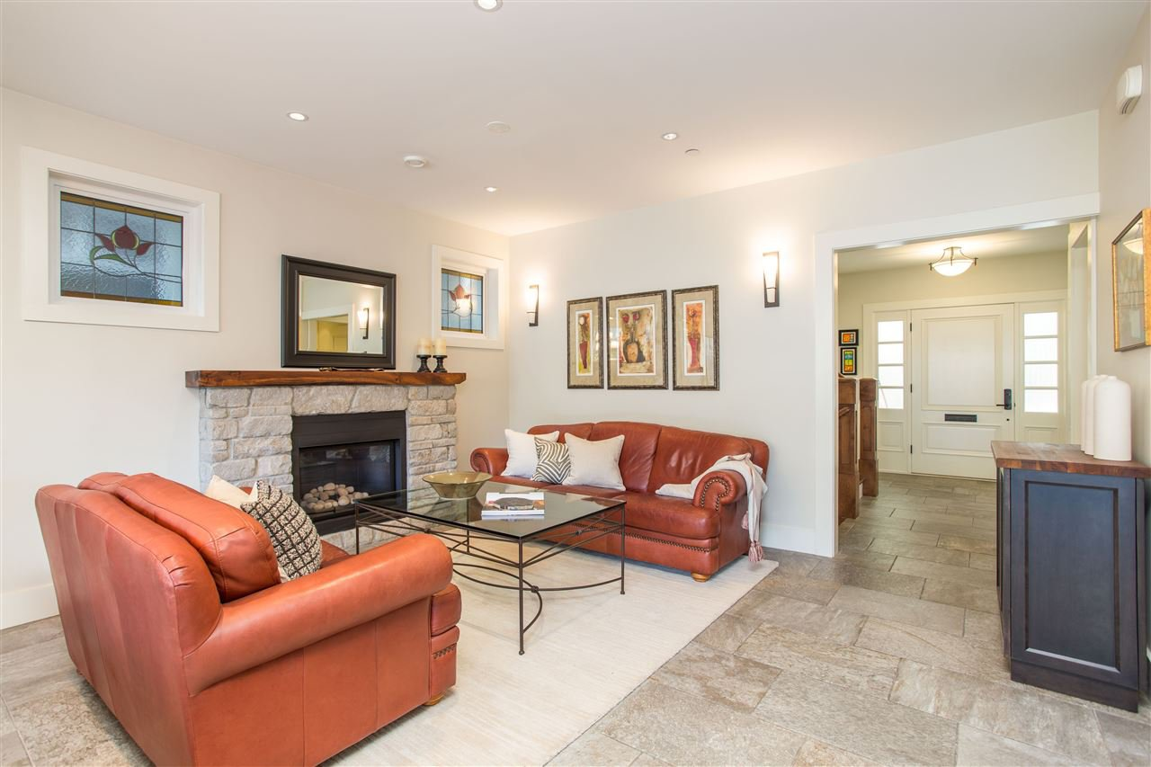 Photo 6: Photos: 595 W 18TH AVENUE in Vancouver: Cambie House for sale (Vancouver West)  : MLS®# R2499462