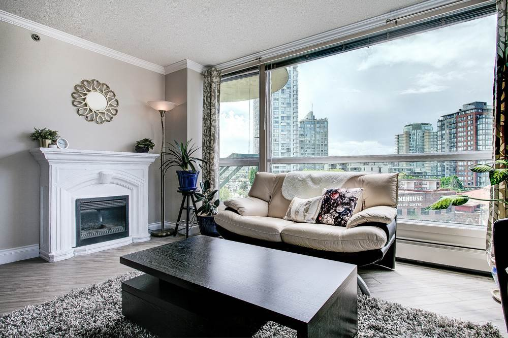 "Main Photo: 603 283 DAVIE Street in Vancouver: Yaletown Condo for sale in ""Pacific Plaza"" (Vancouver West)  : MLS®# R2393051"