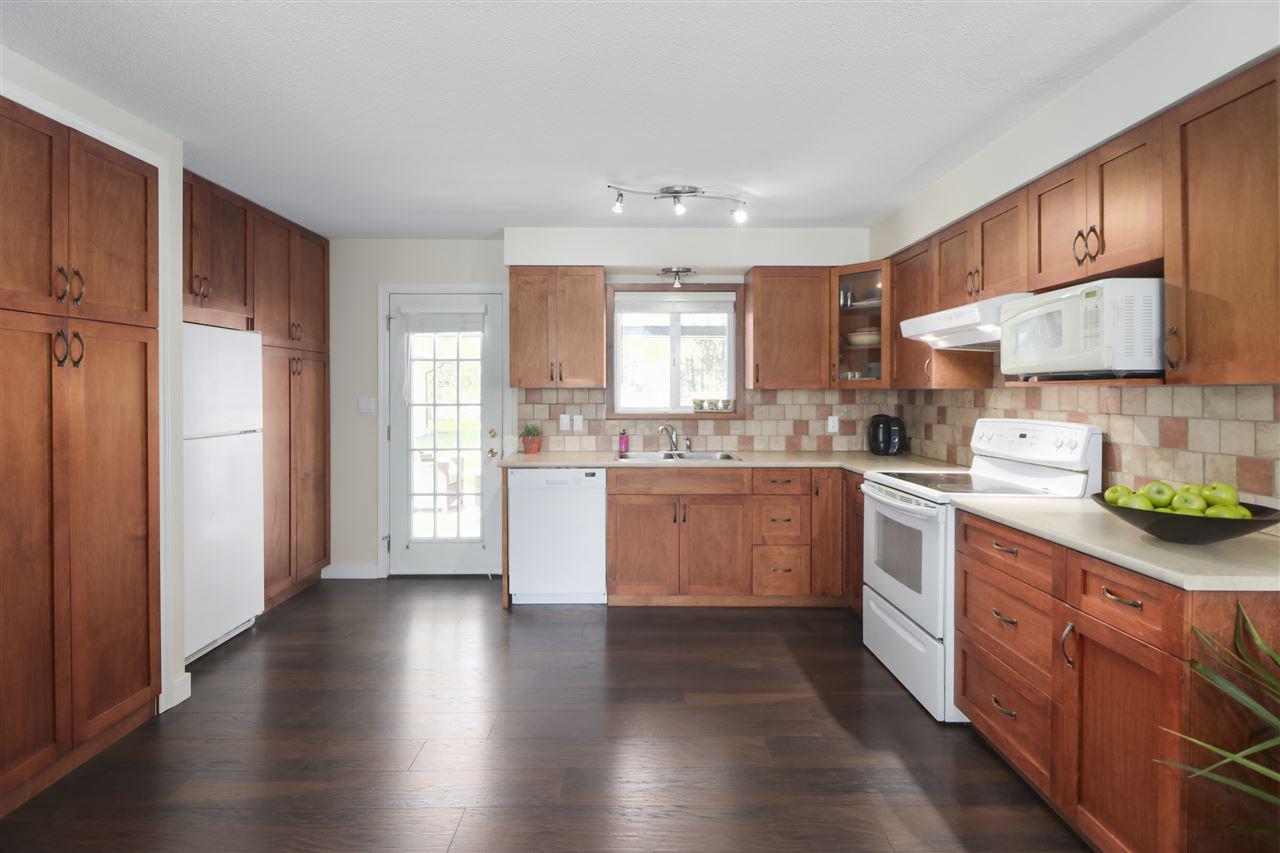 Photo 9: Photos: 11831 GLENHURST Street in Maple Ridge: Cottonwood MR House for sale : MLS®# R2403211