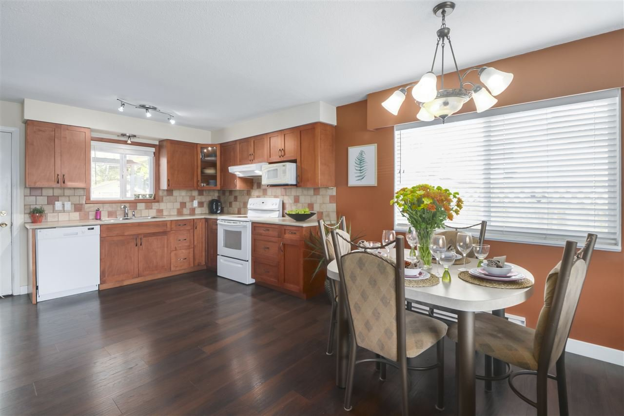 Photo 8: Photos: 11831 GLENHURST Street in Maple Ridge: Cottonwood MR House for sale : MLS®# R2403211