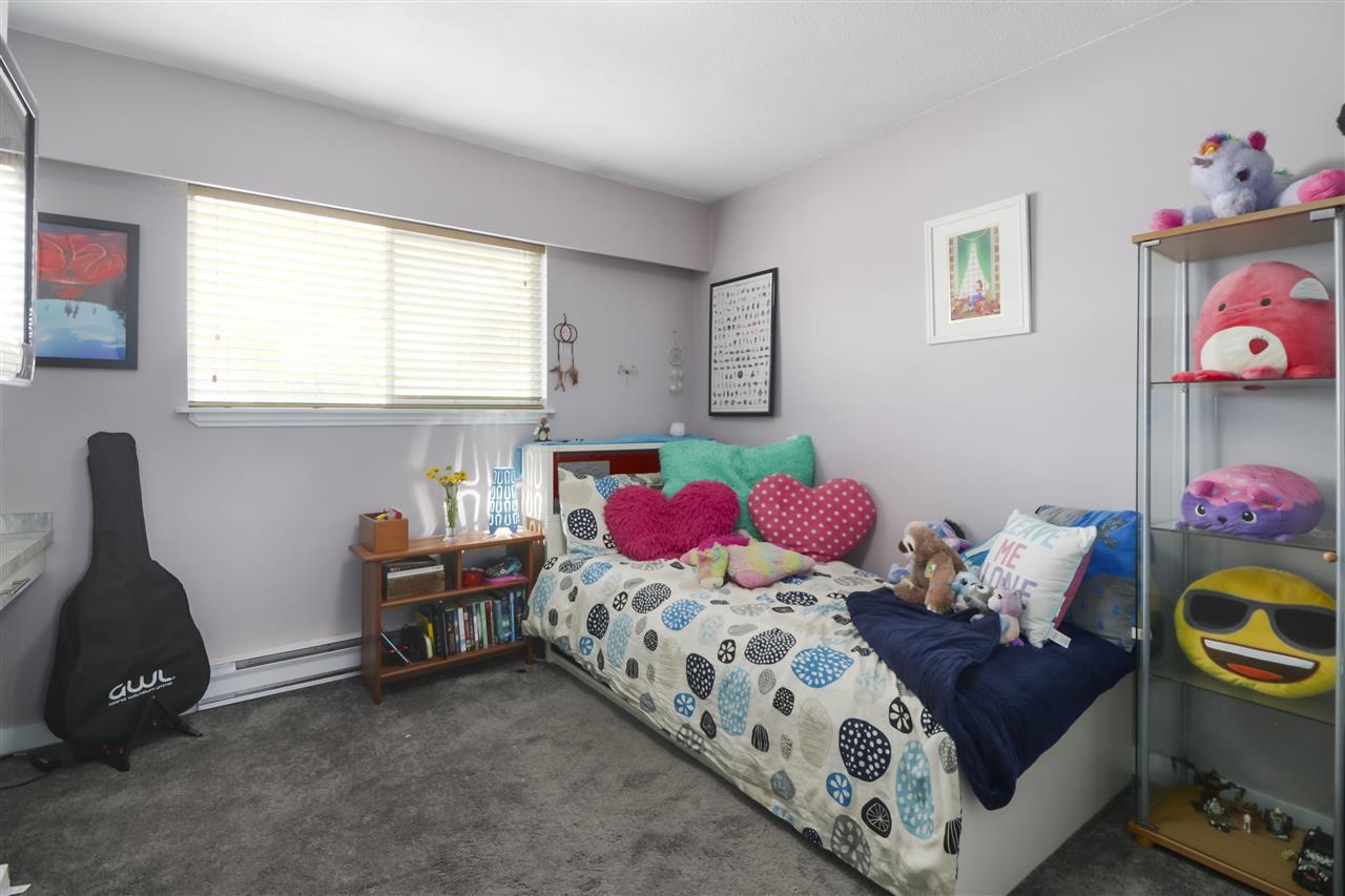 Photo 14: Photos: 11831 GLENHURST Street in Maple Ridge: Cottonwood MR House for sale : MLS®# R2403211