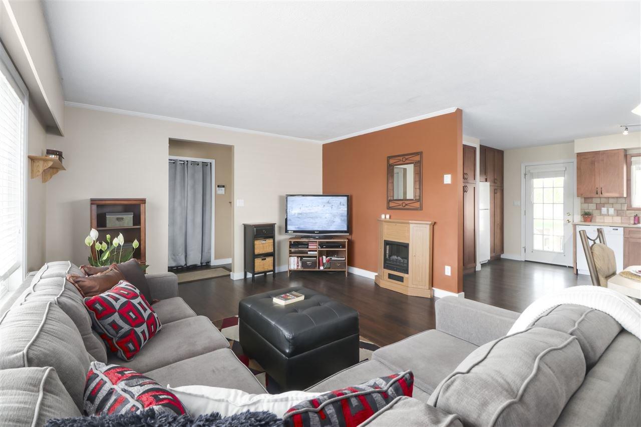 Photo 7: Photos: 11831 GLENHURST Street in Maple Ridge: Cottonwood MR House for sale : MLS®# R2403211