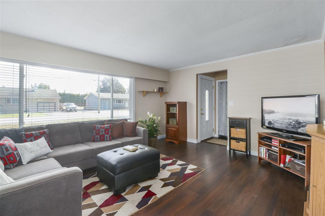 Photo 6: Photos: 11831 GLENHURST Street in Maple Ridge: Cottonwood MR House for sale : MLS®# R2403211