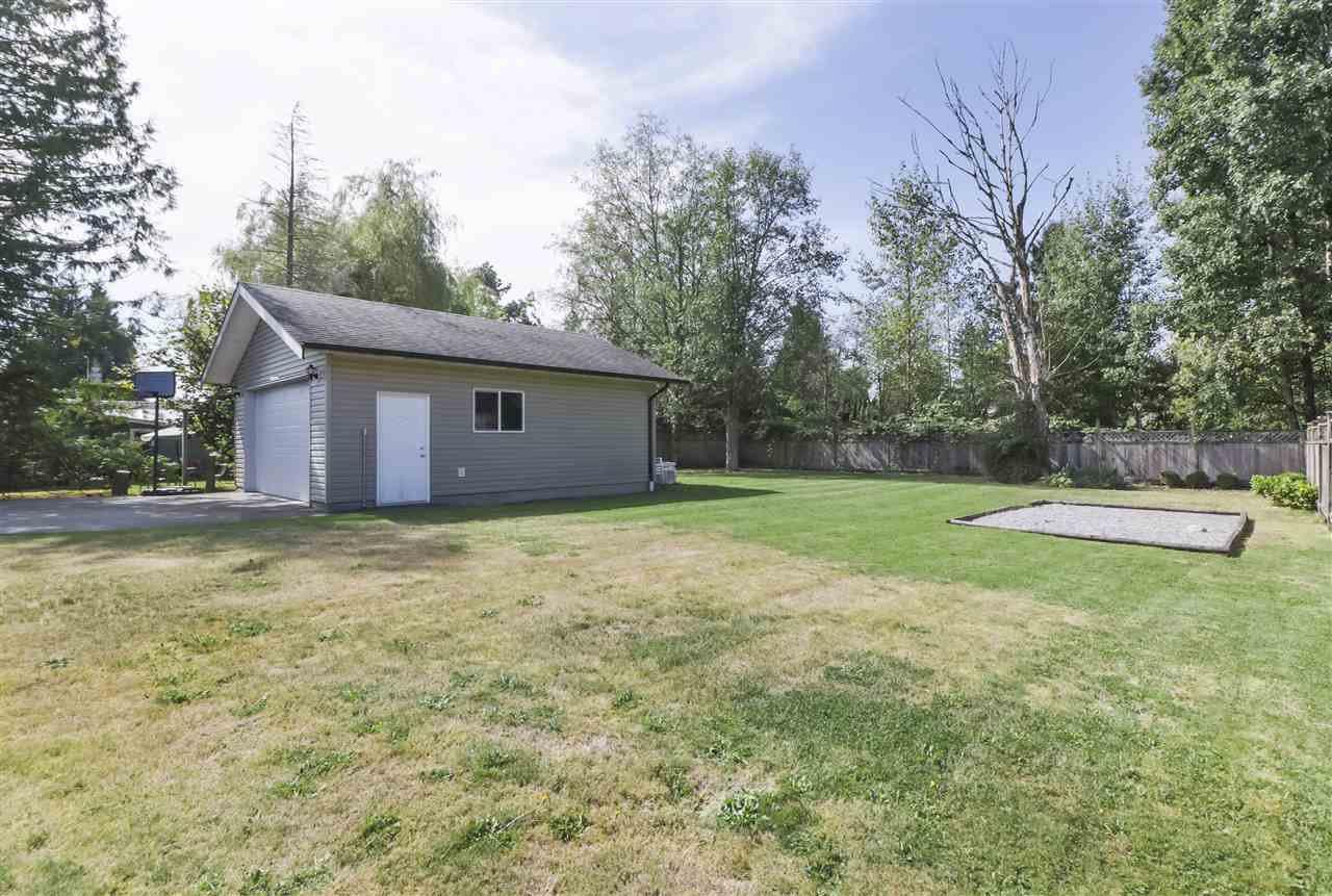 Photo 3: Photos: 11831 GLENHURST Street in Maple Ridge: Cottonwood MR House for sale : MLS®# R2403211
