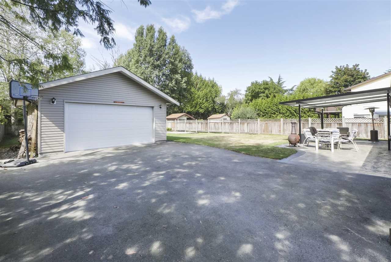 Photo 2: Photos: 11831 GLENHURST Street in Maple Ridge: Cottonwood MR House for sale : MLS®# R2403211