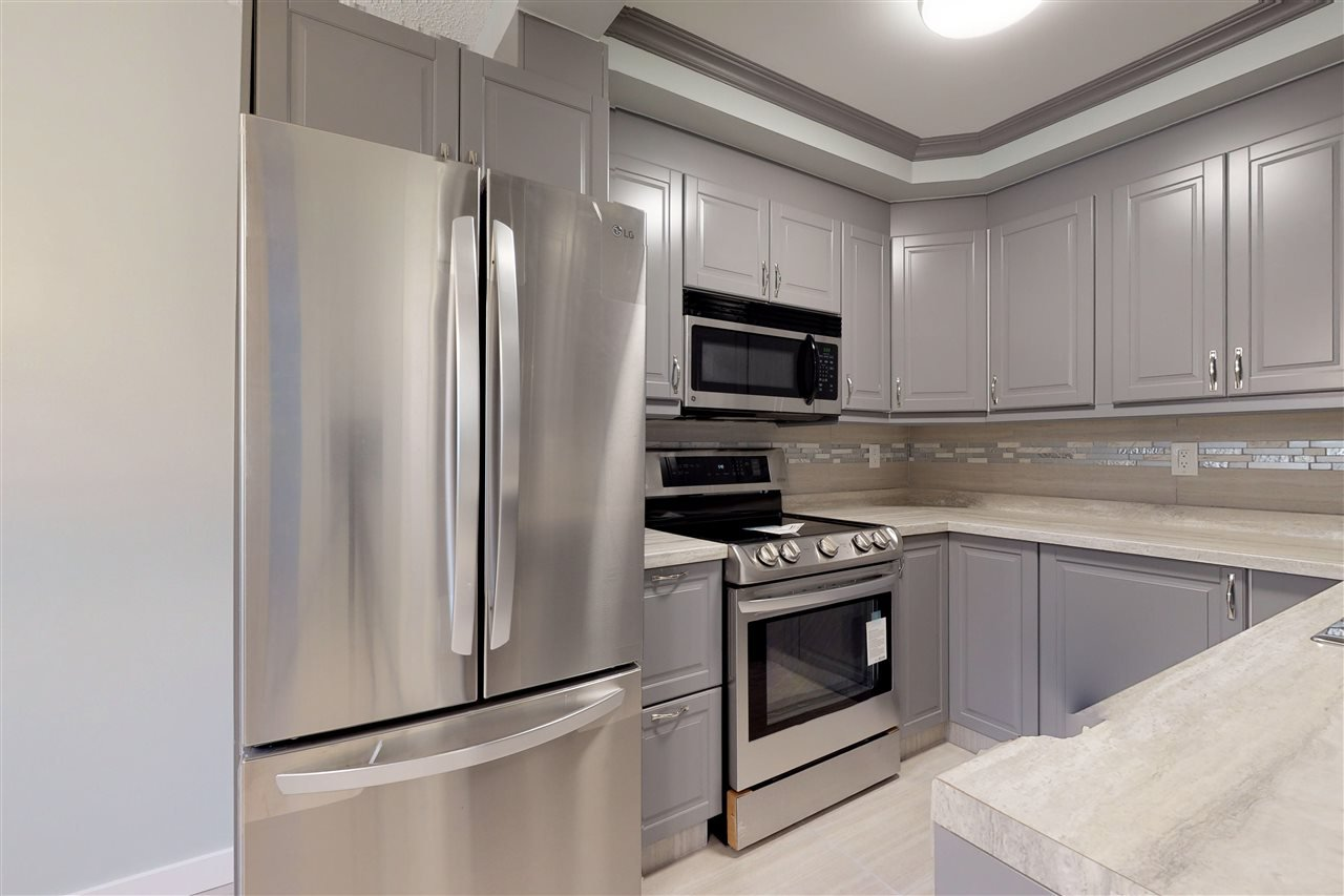 Main Photo: 5434 144B Avenue in Edmonton: Zone 02 Townhouse for sale : MLS®# E4173565