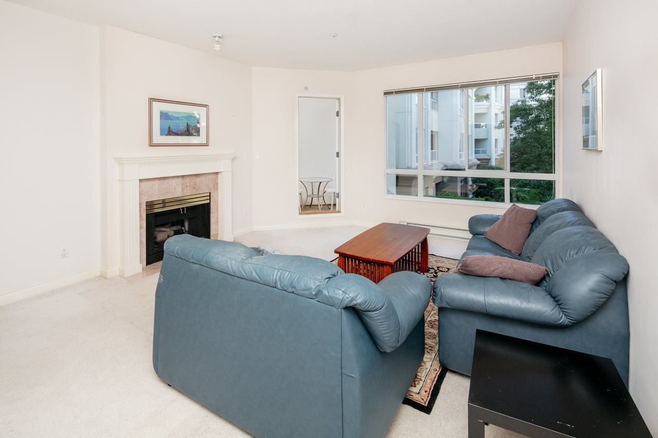 Main Photo: 213 5735 HAMPTON PLACE in Vancouver: University VW Condo for sale (Vancouver West)  : MLS®# R2421216