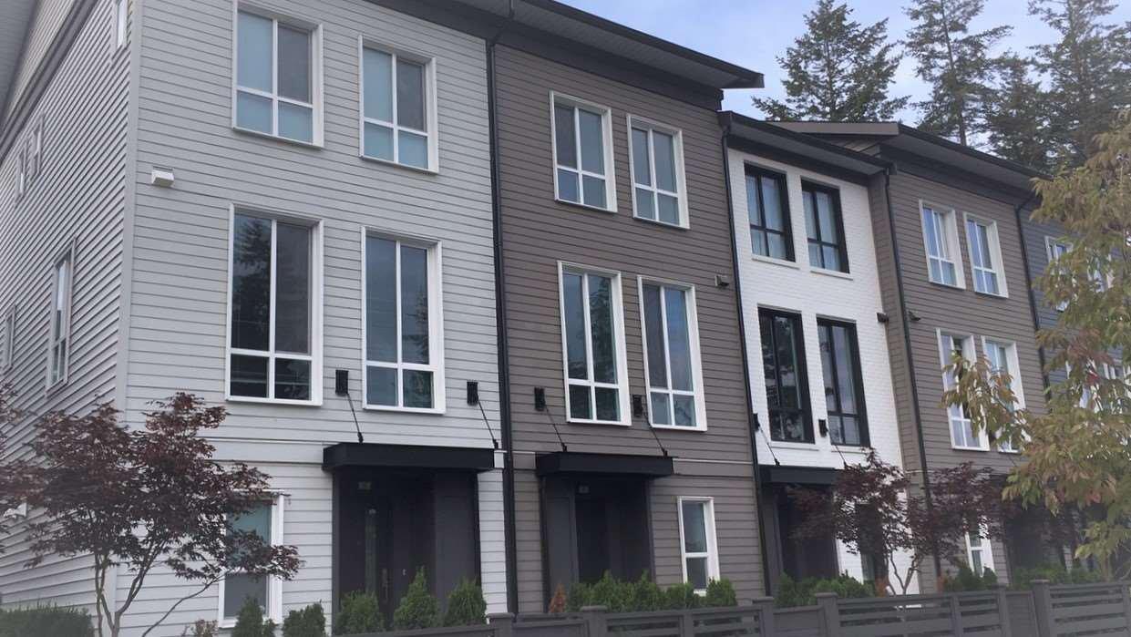 Main Photo: 4 15938 27 Avenue in Surrey: Grandview Surrey Townhouse for sale (South Surrey White Rock)  : MLS®# R2444408
