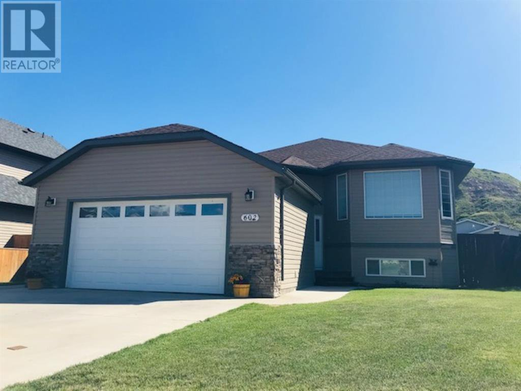 Main Photo: 602 Greene Close in Drumheller: House for sale : MLS®# A1015554