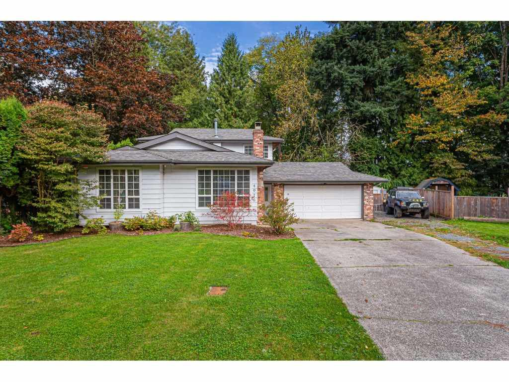 Main Photo: 4976 198 Street in Langley: Langley City House for sale : MLS®# R2506557