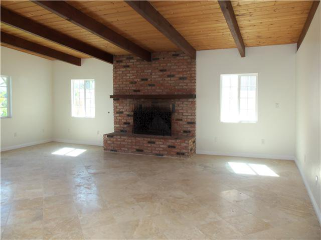 Photo 2: Photos: IMPERIAL BEACH House for sale : 3 bedrooms : 1260 LOUDEN