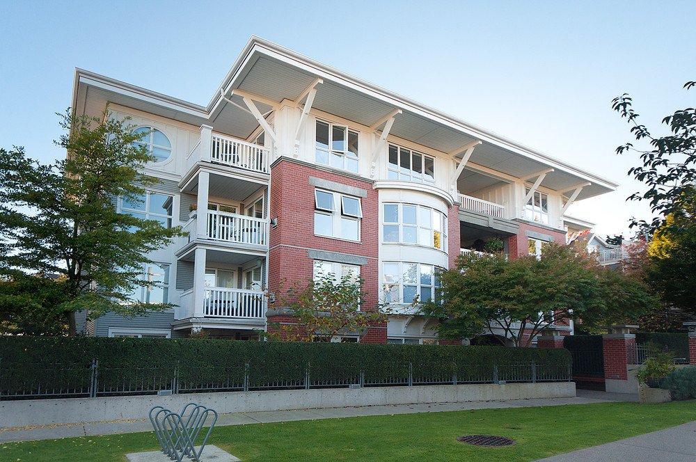 "Main Photo: 205 1868 W 5TH Avenue in Vancouver: Kitsilano Condo for sale in ""GREENWICH"" (Vancouver West)  : MLS®# V855271"