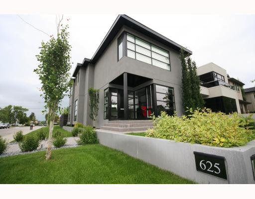 Main Photo: 625 20 Street NW in CALGARY: West Hillhurst Residential Detached Single Family for sale (Calgary)  : MLS®# C3386841
