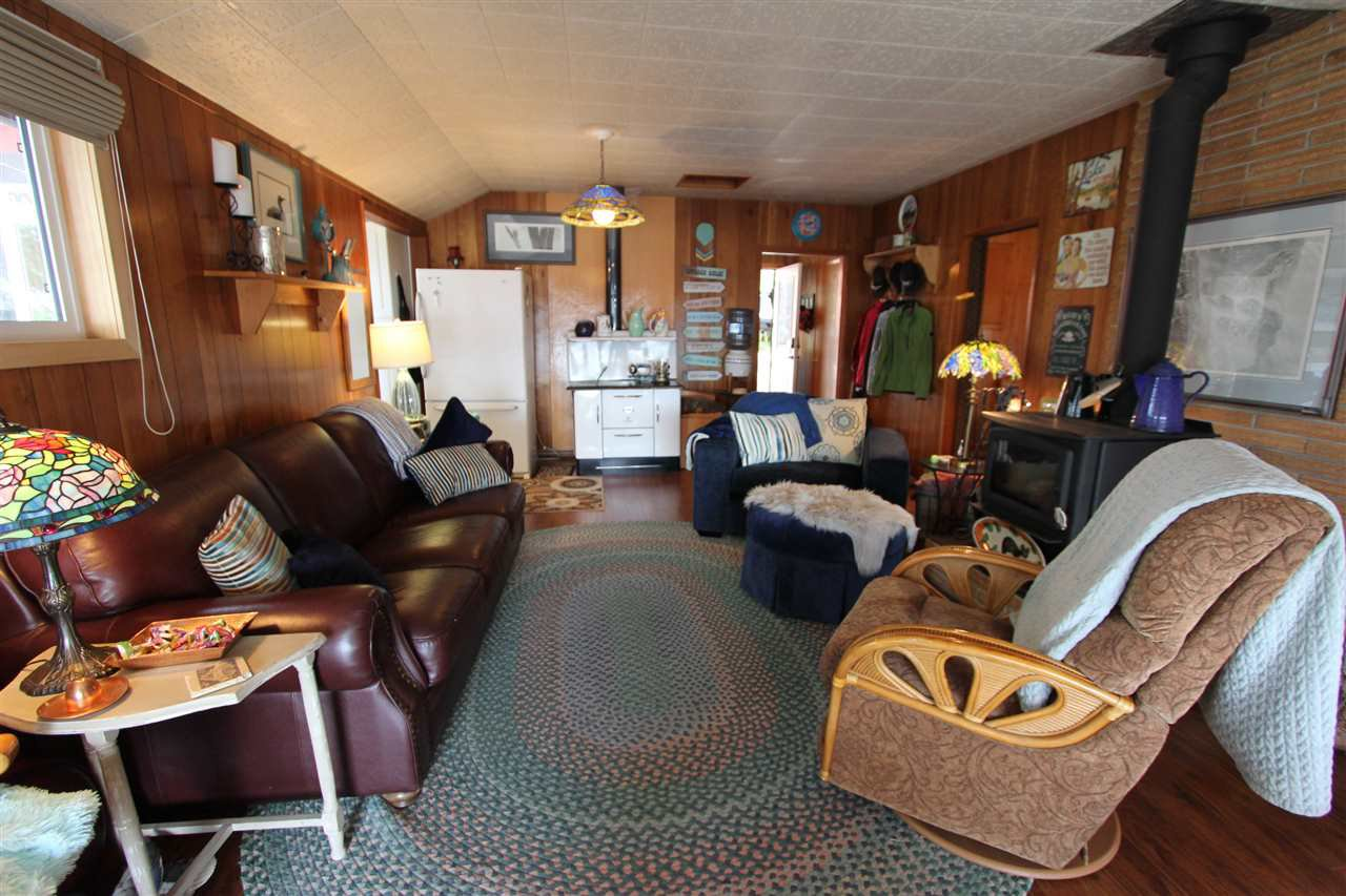 Photo 14: Photos: 50985 CLUCULZ Place: Cluculz Lake House for sale (PG Rural West (Zone 77))  : MLS®# R2397310