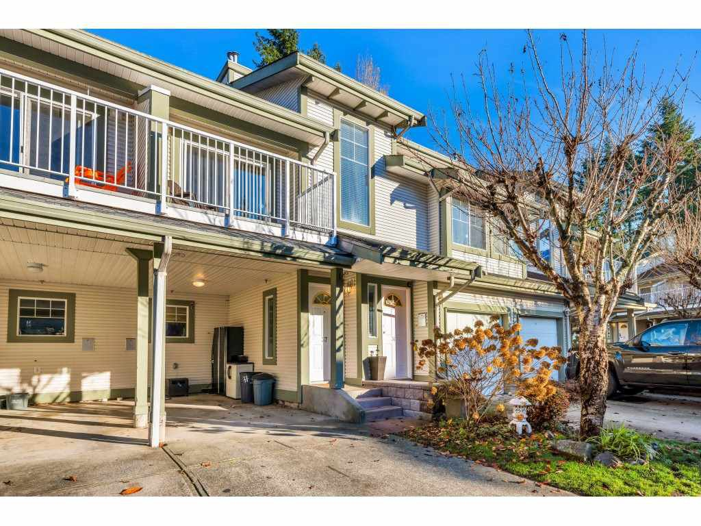 "Main Photo: 37 8892 208 Street in Langley: Walnut Grove Townhouse for sale in ""Hunters Run"" : MLS®# R2420757"