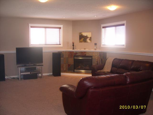 Photo 11: Photos: 5916 Park Meadows Crescent: Olds Residential Detached Single Family for sale : MLS®# C3416173