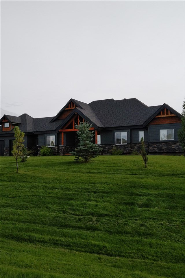 Main Photo: 2012 Spring Lake Drive: Rural Parkland County House for sale : MLS®# E4175411