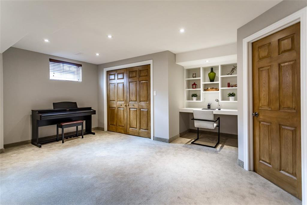 Photo 29: Photos: 52 TUSCANI Drive in Stoney Creek: Residential for sale : MLS®# H4076903