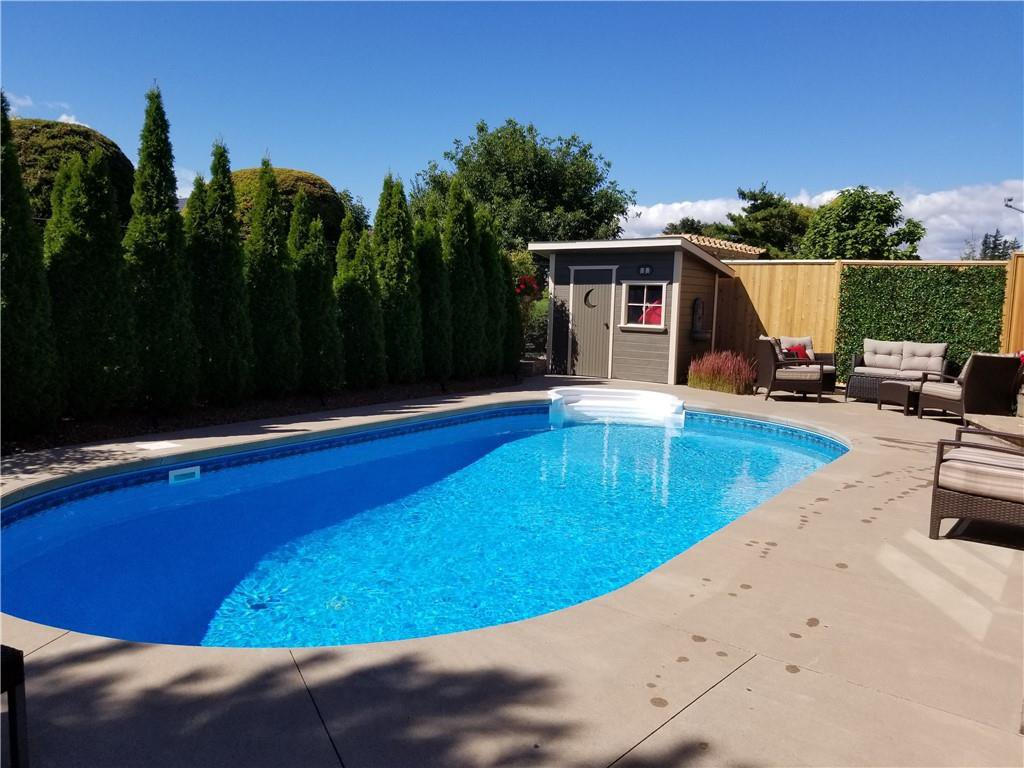 Photo 36: Photos: 52 TUSCANI Drive in Stoney Creek: Residential for sale : MLS®# H4076903