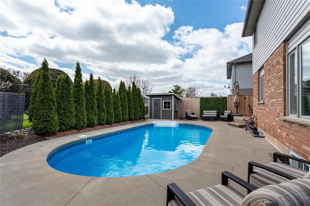 Photo 31: Photos: 52 TUSCANI Drive in Stoney Creek: Residential for sale : MLS®# H4076903
