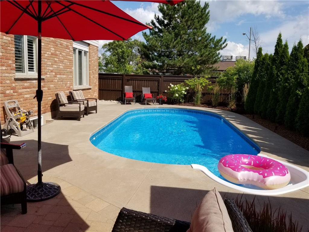 Photo 34: Photos: 52 TUSCANI Drive in Stoney Creek: Residential for sale : MLS®# H4076903