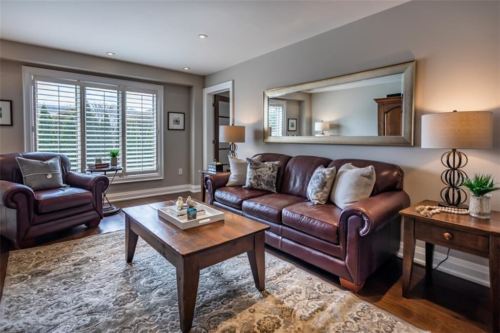 Photo 15: Photos: 52 TUSCANI Drive in Stoney Creek: Residential for sale : MLS®# H4076903