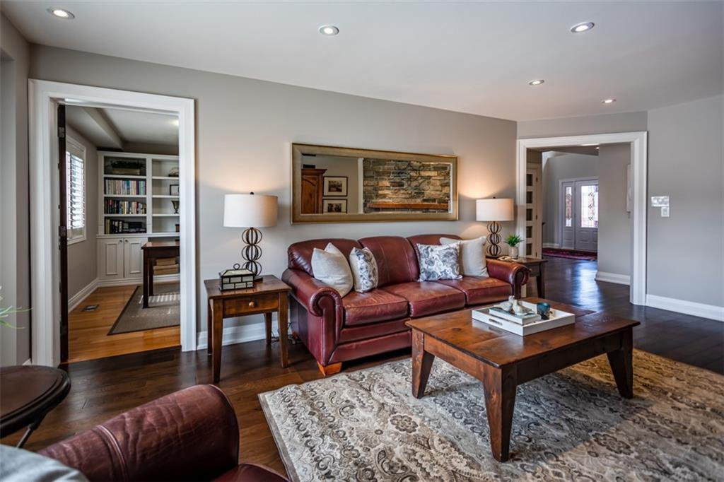 Photo 13: Photos: 52 TUSCANI Drive in Stoney Creek: Residential for sale : MLS®# H4076903