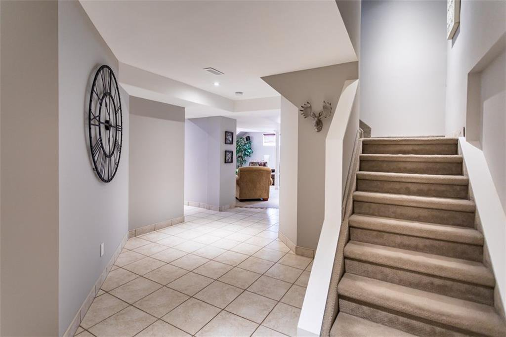 Photo 27: Photos: 52 TUSCANI Drive in Stoney Creek: Residential for sale : MLS®# H4076903