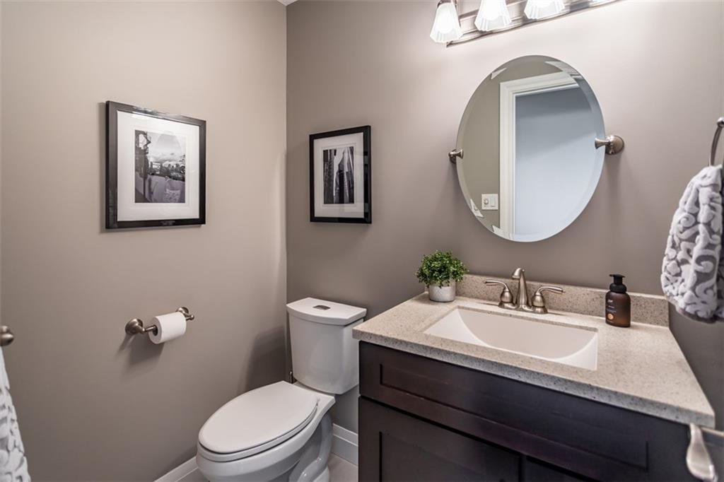 Photo 18: Photos: 52 TUSCANI Drive in Stoney Creek: Residential for sale : MLS®# H4076903