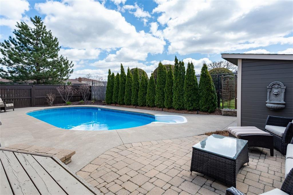 Photo 32: Photos: 52 TUSCANI Drive in Stoney Creek: Residential for sale : MLS®# H4076903