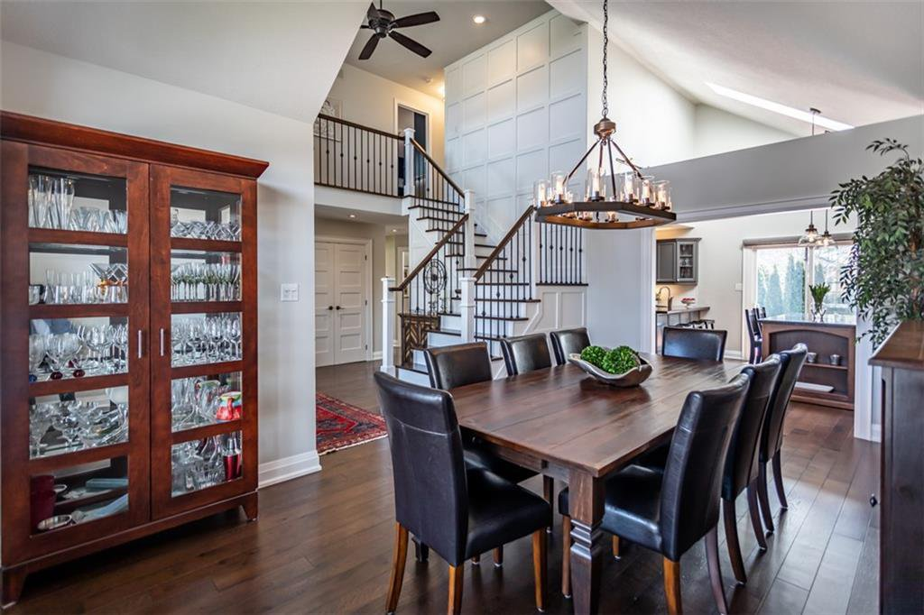 Photo 11: Photos: 52 TUSCANI Drive in Stoney Creek: Residential for sale : MLS®# H4076903
