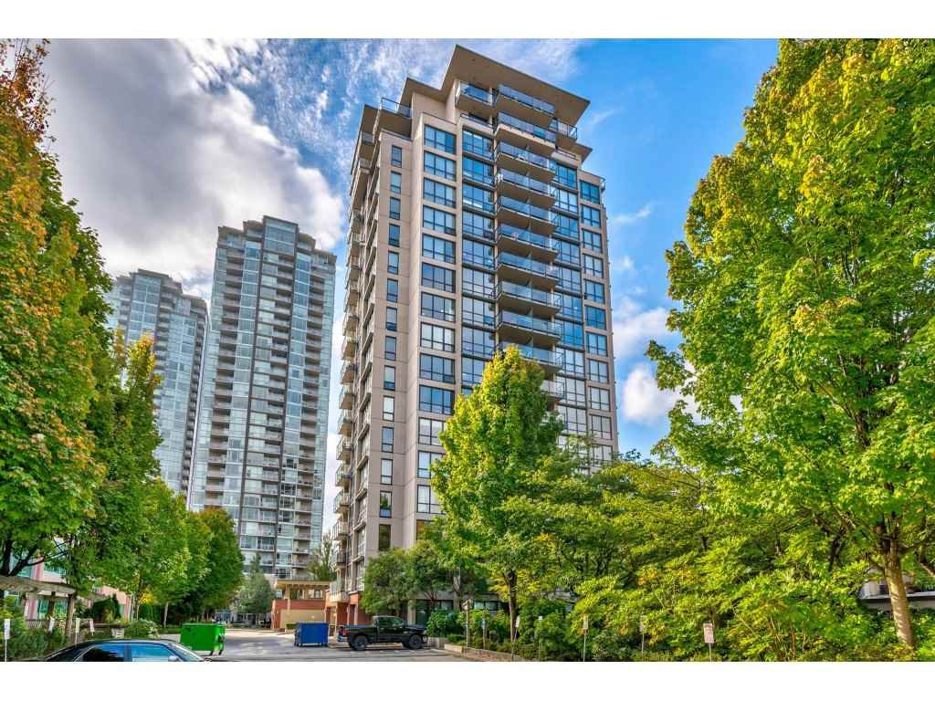 """Main Photo: 902 2959 GLEN Drive in Coquitlam: North Coquitlam Condo for sale in """"PARC"""" : MLS®# R2506368"""