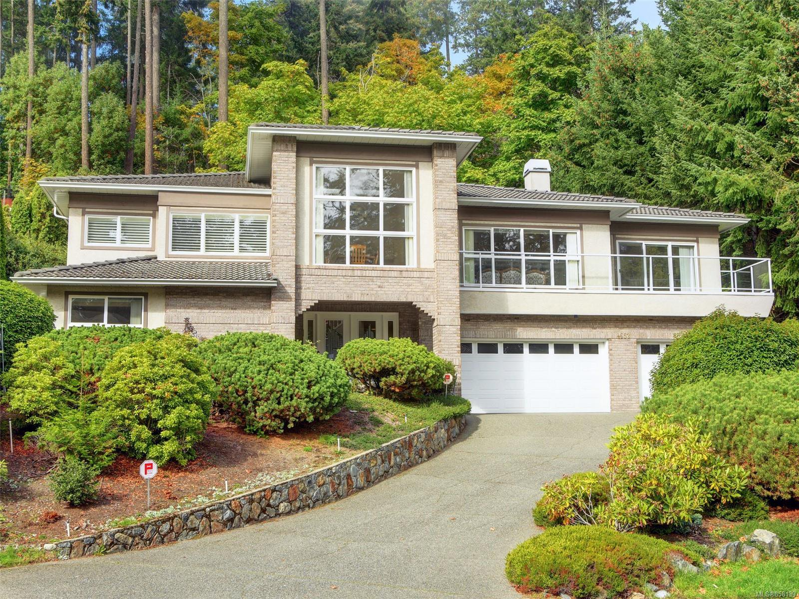 Main Photo: 4652 Boulderwood Dr in : SE Broadmead House for sale (Saanich East)  : MLS®# 858139