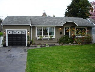 Main Photo: 1541 Brearley Street: White Rock Home for sale ()  : MLS®# F2609211