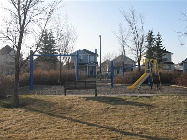 Photo 19: Photos: 15 INVERNESS Gardens SE in CALGARY: McKenzie Towne Residential Detached Single Family for sale (Calgary)  : MLS®# C3423006