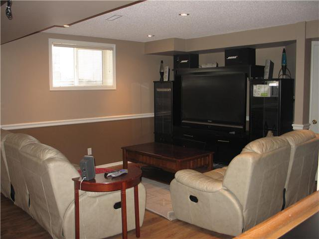 Photo 8: Photos: 15 INVERNESS Gardens SE in CALGARY: McKenzie Towne Residential Detached Single Family for sale (Calgary)  : MLS®# C3423006