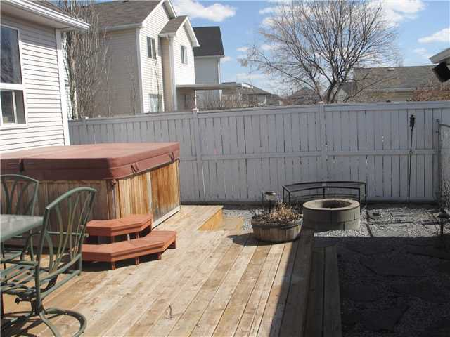 Photo 15: Photos: 15 INVERNESS Gardens SE in CALGARY: McKenzie Towne Residential Detached Single Family for sale (Calgary)  : MLS®# C3423006