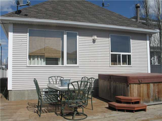 Photo 13: Photos: 15 INVERNESS Gardens SE in CALGARY: McKenzie Towne Residential Detached Single Family for sale (Calgary)  : MLS®# C3423006