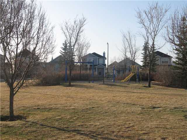 Photo 18: Photos: 15 INVERNESS Gardens SE in CALGARY: McKenzie Towne Residential Detached Single Family for sale (Calgary)  : MLS®# C3423006