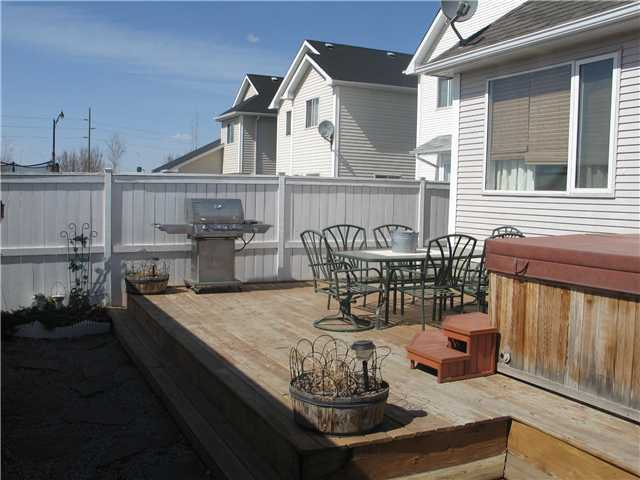 Photo 17: Photos: 15 INVERNESS Gardens SE in CALGARY: McKenzie Towne Residential Detached Single Family for sale (Calgary)  : MLS®# C3423006