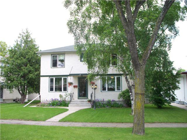 Main Photo: 728 NIAGARA Street in WINNIPEG: River Heights / Tuxedo / Linden Woods Residential for sale (South Winnipeg)  : MLS®# 1011195
