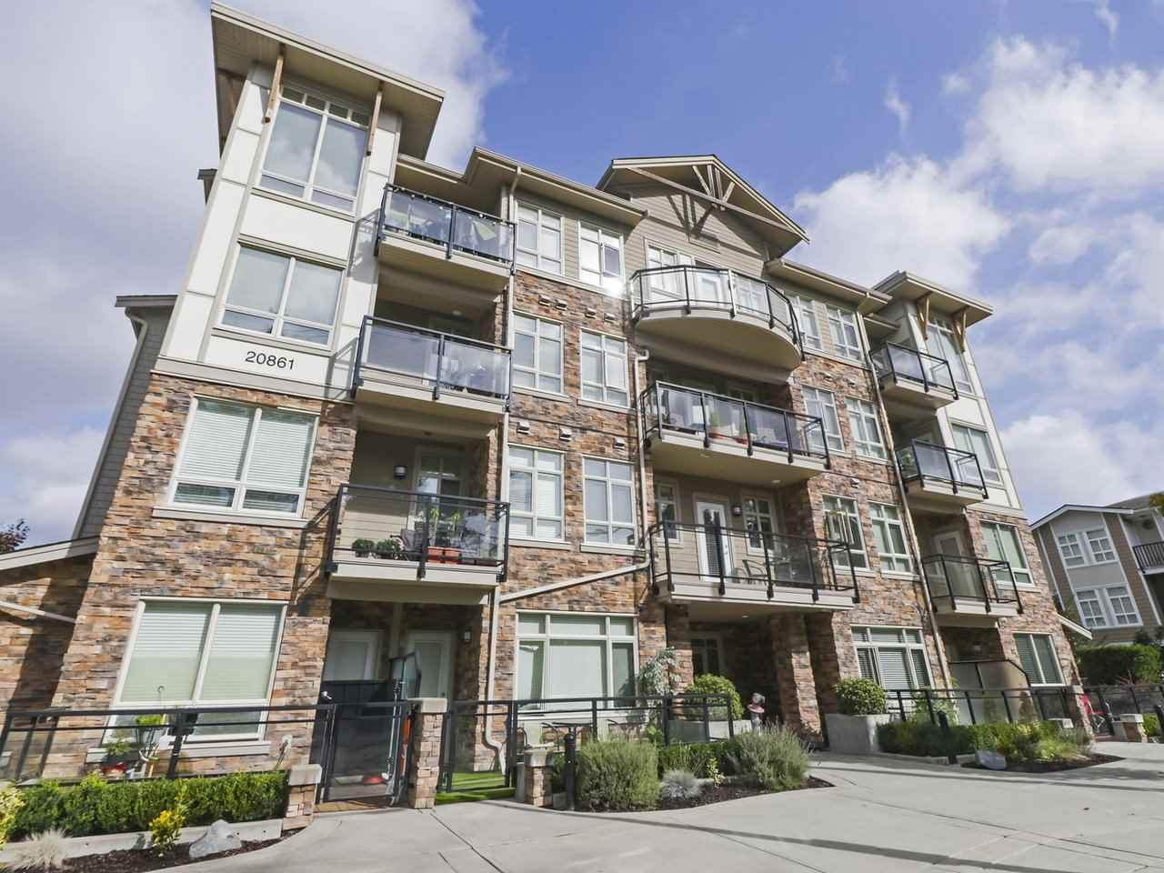 "Main Photo: 210 20861 83 Avenue in Langley: Willoughby Heights Condo for sale in ""ATHENRY GATE"" : MLS®# R2408736"