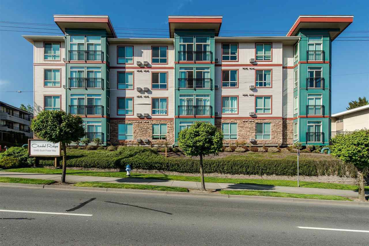 """Main Photo: 103 33485 SOUTH FRASER Way in Abbotsford: Central Abbotsford Condo for sale in """"Citadel Ridge"""" : MLS®# R2424293"""