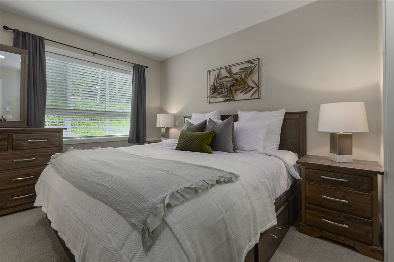 """Photo 9: Photos: 19 1968 NORTH PARALLEL Road in Abbotsford: Abbotsford East Townhouse for sale in """"Parallel North"""" : MLS®# R2443681"""