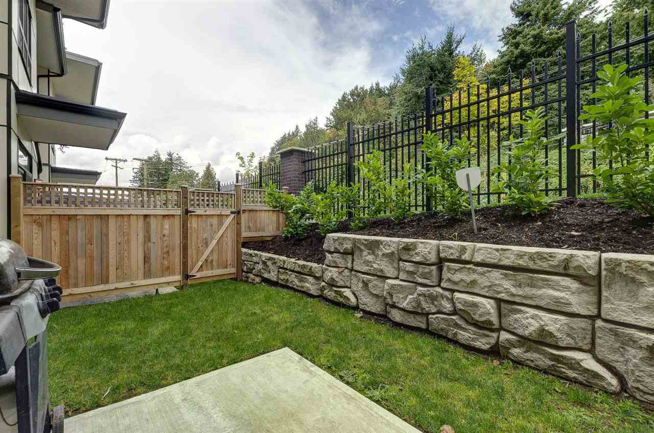 """Photo 17: Photos: 19 1968 NORTH PARALLEL Road in Abbotsford: Abbotsford East Townhouse for sale in """"Parallel North"""" : MLS®# R2443681"""